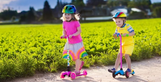 Ultimate Guide To Choosing The Best Toddler Scooter – Guide and Reviews