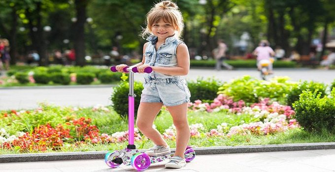 OxGord Scooter for Kids – Deluxe Black 3 Wheel Glider
